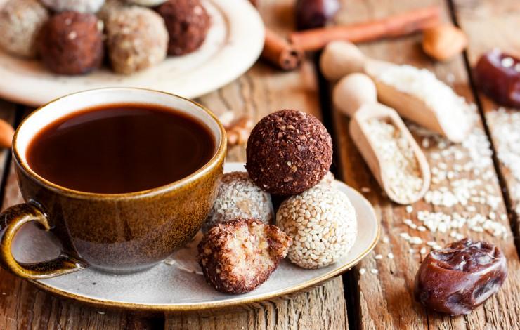 Żyj zdrowo - o kawie i słodyczach