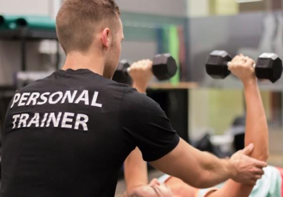 Kiedy warto skorzystać z usług trenera personalnego?